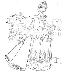 Disegno Da Colorare Di Elsa Che Lancia Le Freccie Di Ghiaccio Frozen