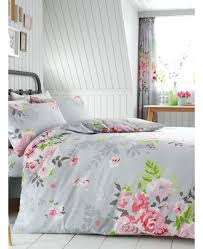 gray and pink bedding