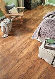 pergo floor this max premier amber oak floor gives this room even more charm and class pergo floor