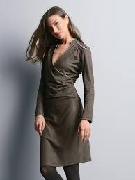 Knielange Kleider bei Peter Hahn | Knielanges Kleid kaufen