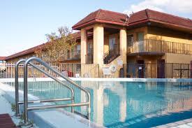 Shining Light Inn Kissimmee Fl Amber Inn Suites Tourist Class Kissimmee Fl Hotels Gds