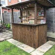 pallet bar. backyard pallet bar