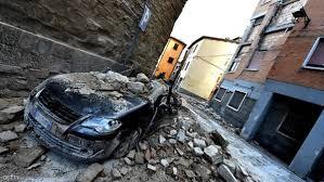 روما - زلزال قوي يضرب وسط إيطاليا وانهيار مبان
