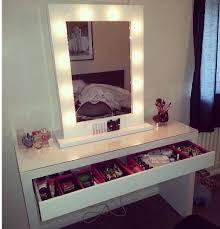 Mirrored Bedroom Vanity Lighted Bedroom Vanity Globorank