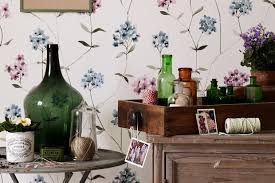 Five places to find <b>vintage flower</b> paintings - Homes and Antiques