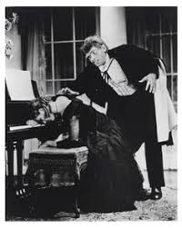 Dr. Jekyll and Mr. Hyde | Classic horror movies, Scary movies, Movie  monsters