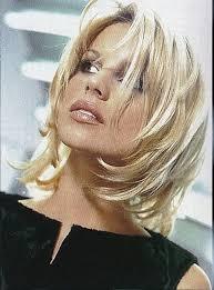 Download 75 Coupe De Cheveux Pour Visage Rond Femme 50 Ans
