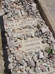 oskar schindler and the schindler jews writework english close up of grave of oskar schindler in the mount zion franciscan cemetery