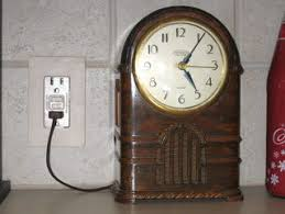 Vtg 1940 50s simmons furniture metal medical Cabinet Picture Of Clock Runs Fine But The Case Is Disaster Ghost Of The Doll Resurrecting Vintage Clocks Steps with Pictures