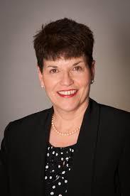 Theresa Everett Headshot   Middle Market Growth