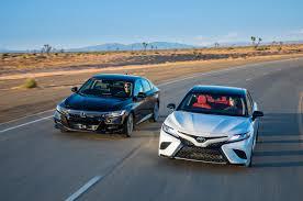 2018 Toyota Camry XSE V-6 vs. 2018 Honda Accord Touring 2.0T ...