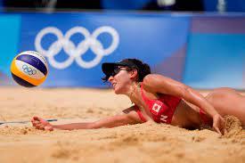 Canada keeps rolling in Olympic women's ...