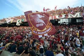Salernitana hayranlarına adanmış bir uygulama. Jamm A Vre Curva Sud Salerno Football A 45 Giri