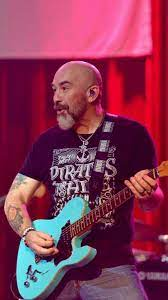 """Bo Garrett on Twitter: """"Yeah. A little excited 4 a new yr and new tour!  #MontgomeryGentry #Guitarist #CountryMusic #Travel #Touring @Peavey #Guitar  @WestoneAudio… https://t.co/r3CIXkZAJT"""""""
