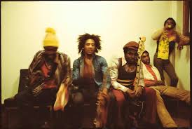 Bob Marley, Peter Tosh, Aston and Carlton Barrett and Earl Lindo backstage  at Leeds University (Late 1973) : OldSchoolCoolMusic