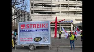 Jun 08, 2021 · die tarifverhandlungen sind gescheitert, der arbeitskampf beschlossene sache: Streik Bei Der Db Direkt Gmbh Protestaktion In Berlin 25 02 2021 Youtube