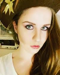 brown eyes pirate makeup