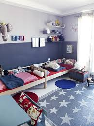 darling red, white and blue boys bedroom! Good for a small room.