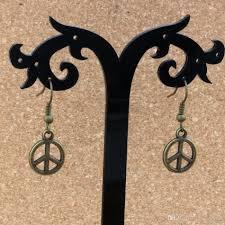 Großhandel Frieden Charme Ohrringe Fisch Ohr Haken Antike Bronze Kronleuchter Schmuck 125x33mm A 330e Von Xuan16888 168 Auf Dedhgatecom