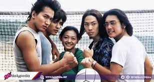 8 diffe versions of meteor garden and its 23 year phenomenon
