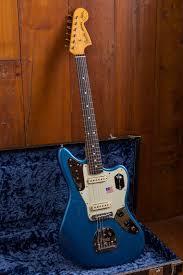fender johnny marr jaguar rosewood fingerboard lake placid blue fender johnny marr signature jaguar lpb 12