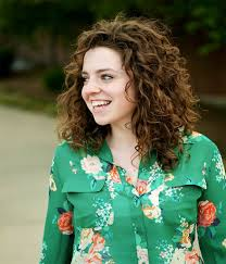 um curly hairstyle 2017