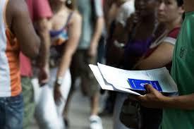 Image result for Brasileiro está menos confiante em relação à inflação, emprego, renda e consumo