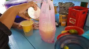 Resep es buah segar ini cukup mudah dibuat dan anda bisa berkreasi dengan berbagai macam buah, yang tentunya bagus juga untuk kesehatan. Kuliner Palembang Street Food 4 Es Jagung Hawai Corn Ice Indonesia Youtube