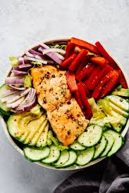 Easy Salmon Salad Recipe (Healthy Lunch ...