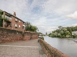 23 city walls views over the river dee in chester