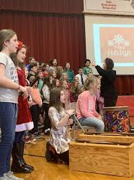 WES families, classes sing along to holiday tunes   Wiscasset Newspaper