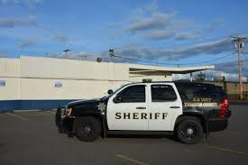 Police Respond To Robbery At Apex Grocery In Yelm Yelmonline Com