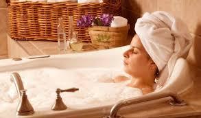Bagno Rilassante Fatto In Casa : Come rilassarsi la sera dopo una giornata di lavoro stressante