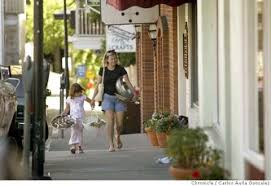 diana williams and her daughter hannah williams 4 walk to diana s pas