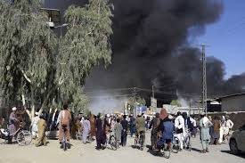 23 hours ago · on sunday, the taliban moved to take over the country's capital, kabul, that led to a frenzied scene of people flooding hamid karzai international airport, trying to flee. Fzgja Xjapibcm