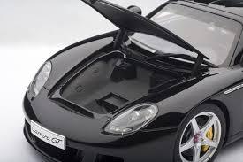 Amazon.com: Auto Art- 1:18- Porsche Carrera GT Black - Art.Nr ...