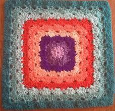 12 Granny Square Crochet Pattern