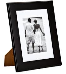 black wood matted 5x7 photo frame features removable white matboard