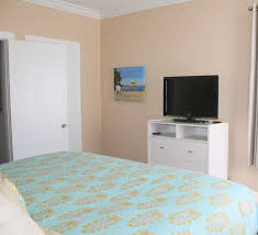 hollywood condo al upscale 1 1 king bed private terrace parking pool at boardwalk