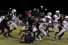 PHOTO GALLERY: Braden River Football vs. Lakewood Ranch - Braden River  running back Carlos Crawford returns a kickoff in the first half. | Your  Observer