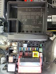 2005 endeavor not keeping charge to run mitsubishi forum here are some pics of the fuse boxes the red circled ones have no power going thru them running or not the yellow appears to need a relay but doesn t have