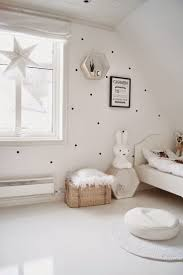 Polka Dots Everywhere: How To Decorate Your Walls With Them