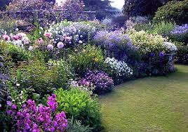 Romantic Cottage Garden  HouzzRomantic Cottage Gardens