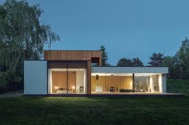 House JRv2 surrounded by a dense park in the south and the west by ...