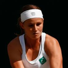 Both the players were looking to play from the baseline, but kvitova showed her intent to play aggressively. Greet Minnen Bel Australian Open