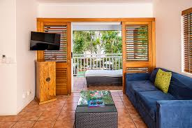 Beachfront Suites Palm Cove Paradise On The Beach One Bedroom ...