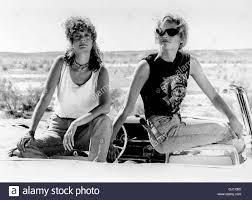 THELMA & LOUISE-Um Ihren Frust Wenigstens Für Einen Fintel Zu Entgehen,  Brechen Die Beiden Freundinnen Thelma (GEENA DAVIS, Rechts) Und Louise  (SUSAN SARANDON) Zu Einem Wochenendausflug Auf. Doch der Ausflug Endet  Unerwartet