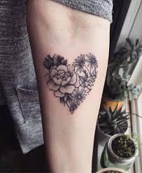 Heart Shape With Flowers Tattoo Tatoo Tetování Tetování Mandaly