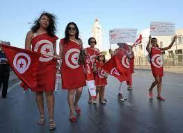 """تشبيه التونسيات بالإيرانيات في """"فرض"""" ارتداء الحجاب يثير احتجاجا في تونس -  CNN Arabic"""