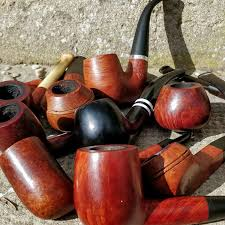 Different <b>Tobacco Smoking</b> Pipe Types: Shapes, Styles & Materials